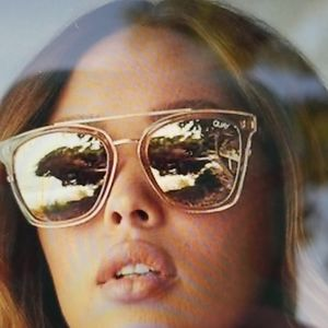 NEW! QUAY sweet dream champagne gold rose Sunnies